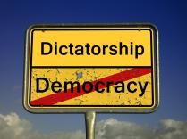 demokratie-2161890_1920